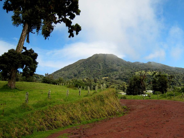 The cone of Volcán Turrialba. It seemed very close when the clouds blew off and we got our first view, but the rugged 4WD road wound around for another 8km before reaching the summit.