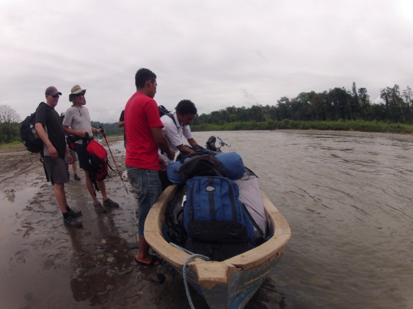 We put the bikes in the truck and loaded into a dugout to cross the Río Telire and enter a channel of the Río Lari that we could boat and walk along to Coroma