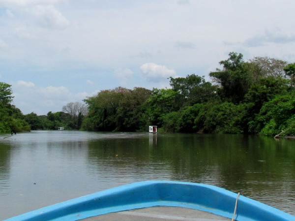Riverboats on the Rio Frio