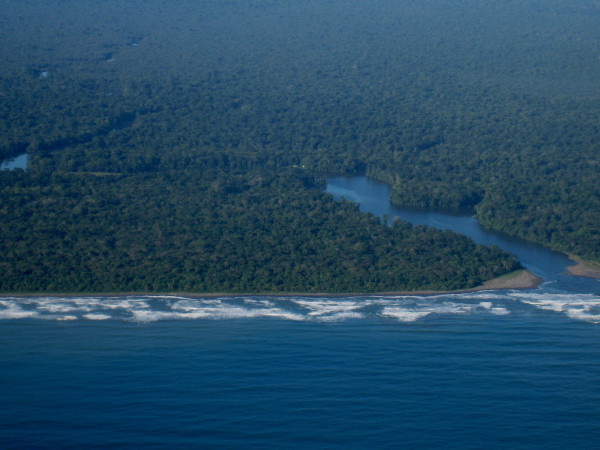 Boca del Parismina just south of Tortuguero National Park Ranger Station at the south end (Joluva)