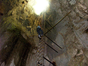 Descending into Terciopelo Cavern