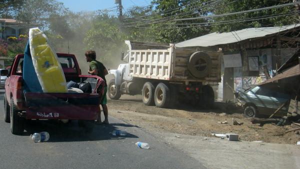 Truck vs Car vs Pulperia Accident - Truck Wins!