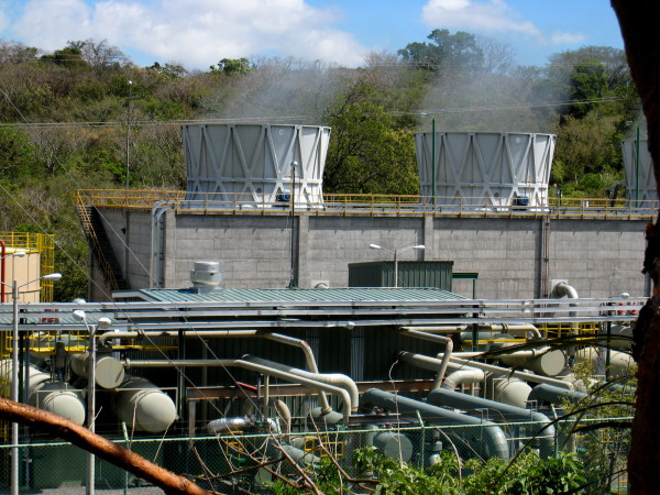 Geothermal electric generating plant
