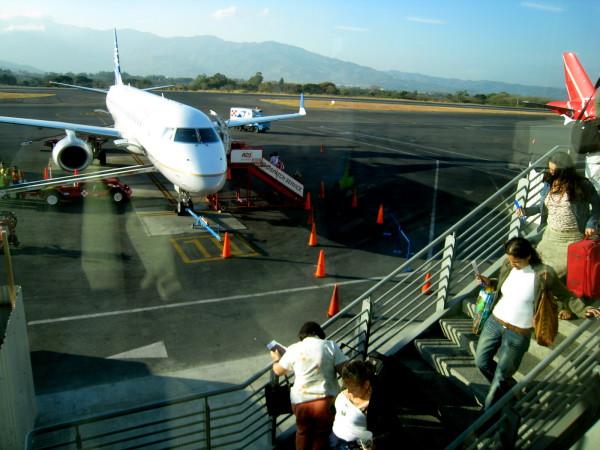 Passengers boarding at San Jose Airport