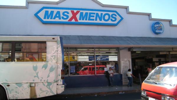 MasXMenos supermarket