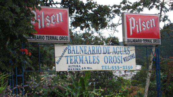 Public natural thermal swiming pools (Balneario Termal) are available right next to the Orosí Lodge (a few hundred colones admission).
