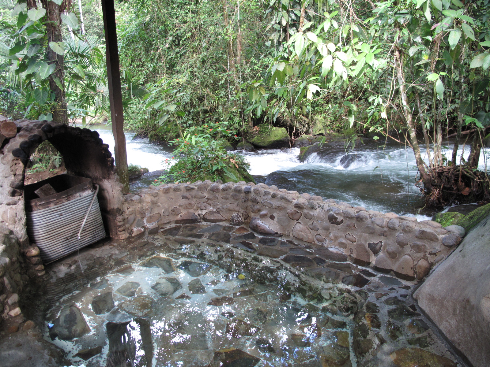 photos of natural hotsprings in costa rica. Black Bedroom Furniture Sets. Home Design Ideas