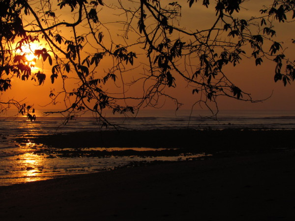 Sunrise over Playa Platanares, Golfo Dulce, Osa Peninsula side