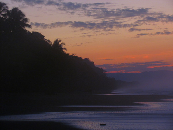 Sunrise over La Leona, playa Carate, Osa Peninsula southern Costa Rica