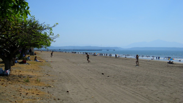 Playa Puntarenas with the municpal dock and Puerto Caldera in the background