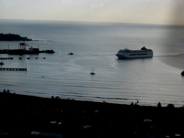 Cruise ship entering Puerto Limon (from the air)