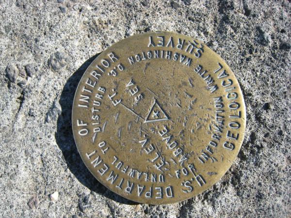 USGS survey marker on top of Irazú