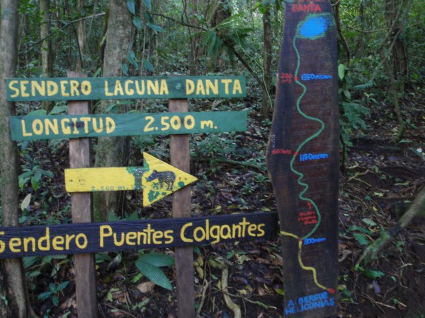 Lago Dantas trail