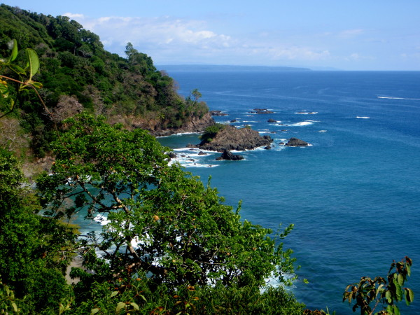 The Mirador on the opposite (south) side of the island from the snorkeling beach. The Osa Peninsula and Corcovado National Park are on the horizon at left