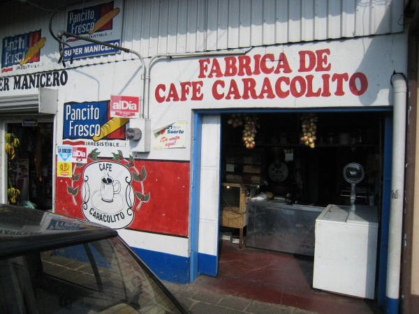 Cafe Caracolito Santo Domingo de Heredia, coffee coop has served the Rodriguez family for 100 years