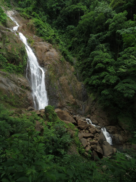 The Bijagual waterfall on the Río Tarcolitos is just outside the southern boundary of Carara national park