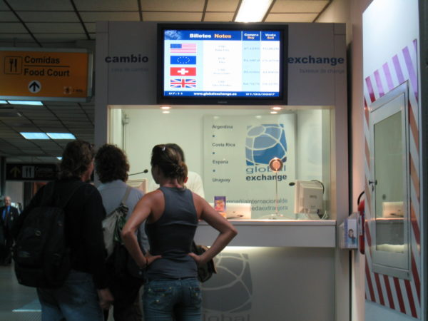 airport exchange counter