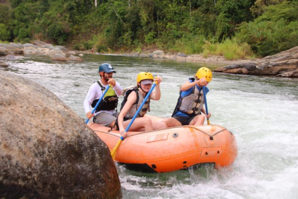 white water raft savegre river costa rica